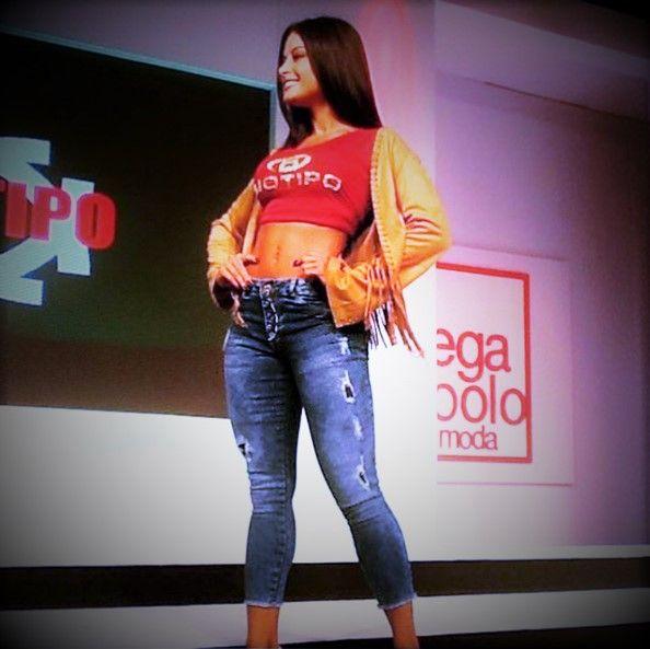 8f3efa9e2 Calça Jeans Feminina Cropped Hot Pants Biotipo Com Elastano.